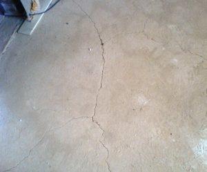 Причины возникновения трещин на бетонной стяжке пола